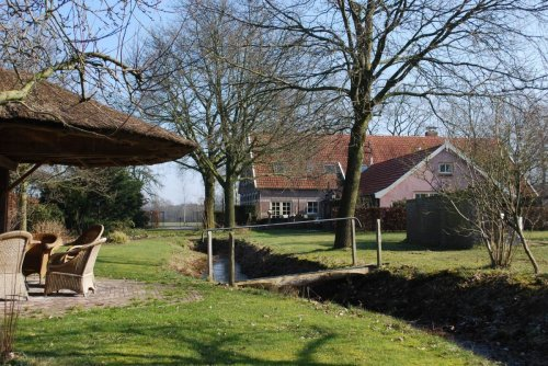 Vakantie in de Achterhoek op wijndomein Erve Wisselink - Vakantiehuis en Camping in de wijngaard