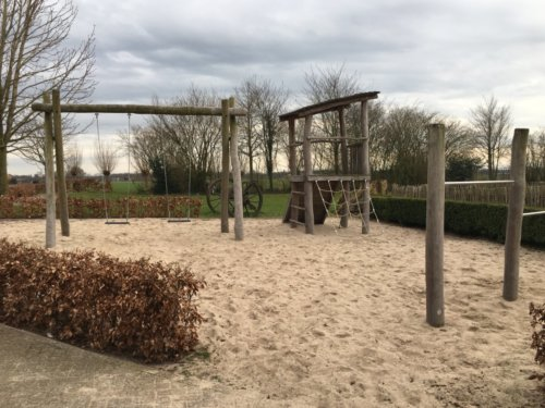 Groot vakantiehuis (22 personen) op wijndomein Erve Wisselink in de Achterhoek in Eibergen speeltuin